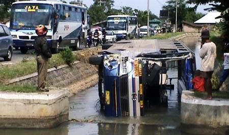 Kecelakaan-Bus-Nganjuk-1