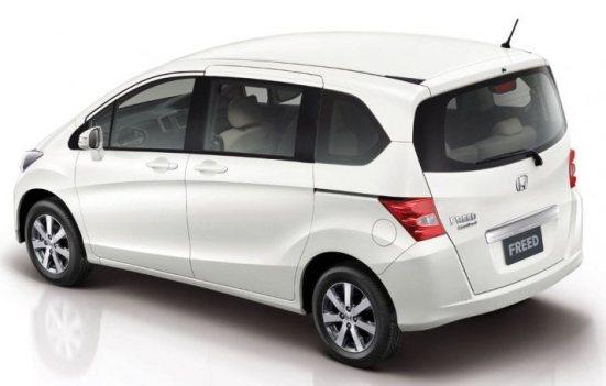 Honda-Freed-MPV-rear