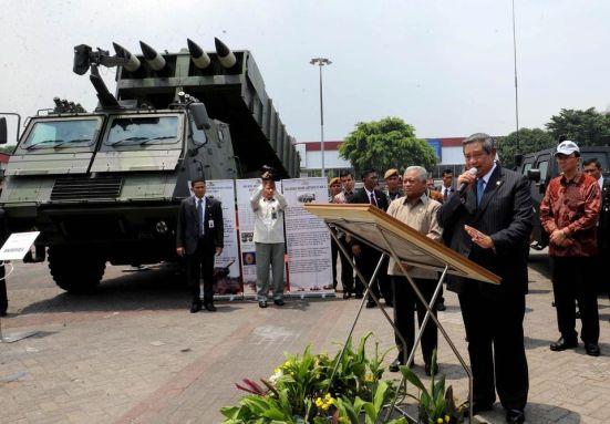 SBY dan MLRS Astros